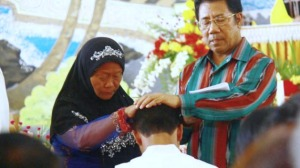 INDONESIA_-_1012_-_Sacerdote_islam-629x353