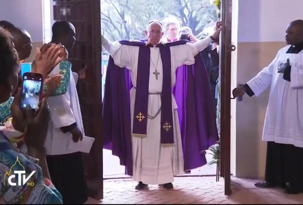 pope holy door africa