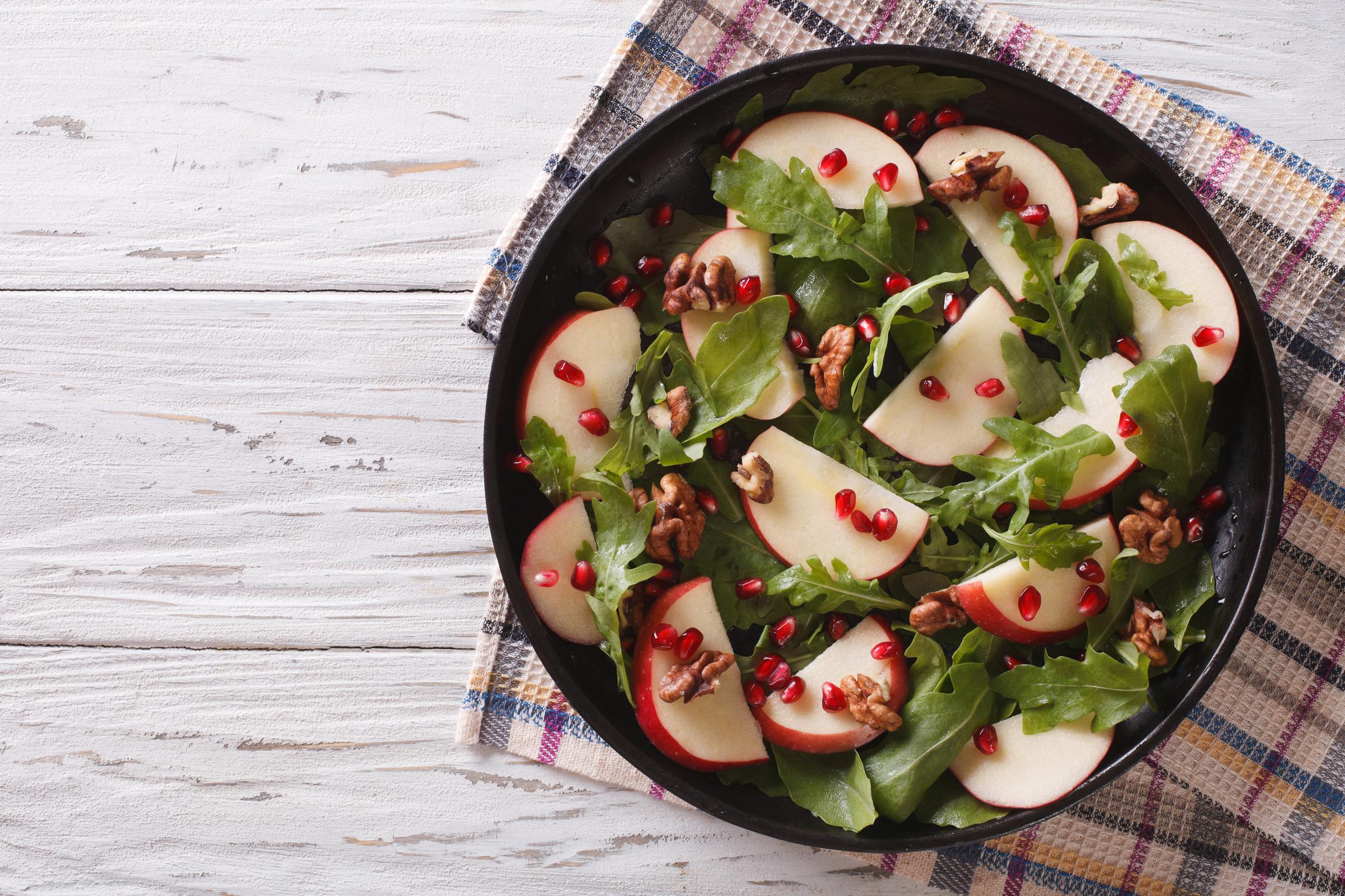 WEB-SALAD-POMEGRANATE-APPLE-Shutterstock-AS-Food-studio