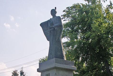 Statue commemorating Takayama Justo