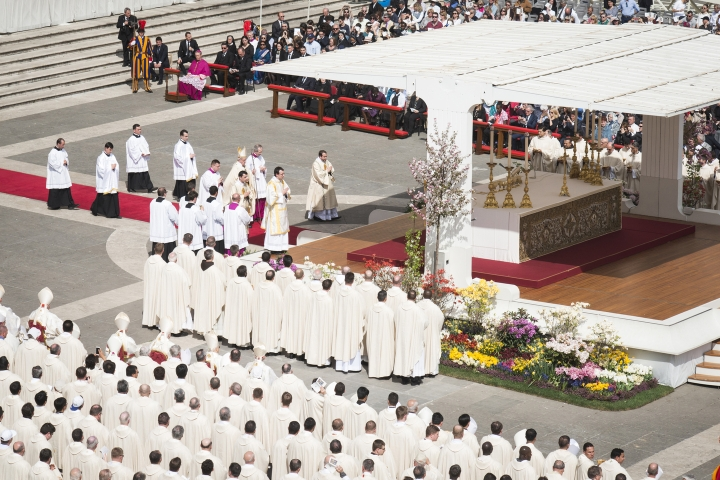 Pope Francis - Mass - Jubilee - Divine Mercy - April 03, 2016