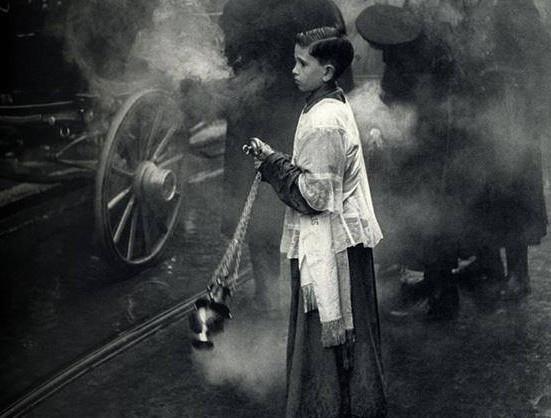 altar-boy-incense-street-cropped