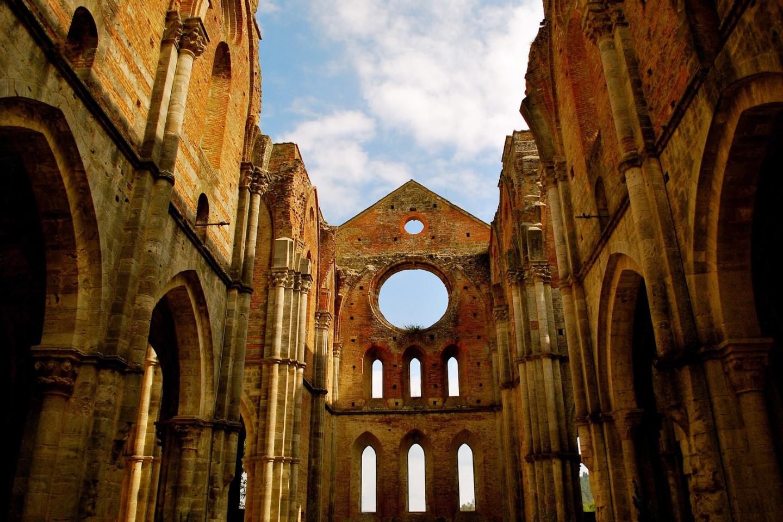 web-san-galgano-abbey-italy-2-antonio-cinotti-cc