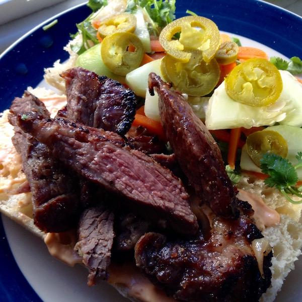 banh-mi-steak