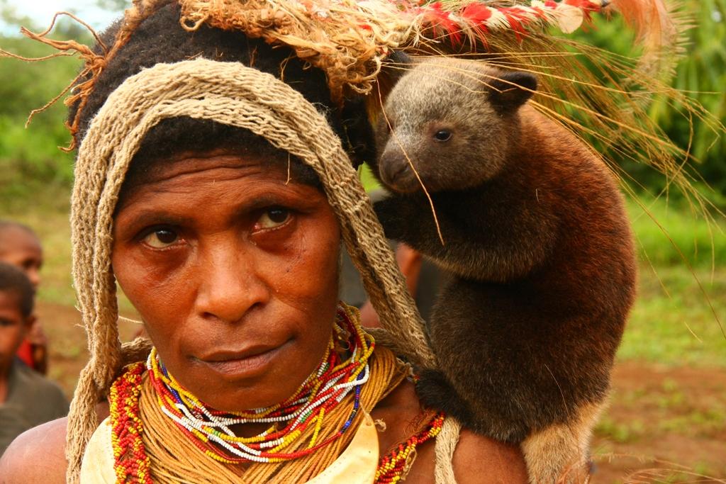 web-papua-new-guinea-woman-panvorax-cc