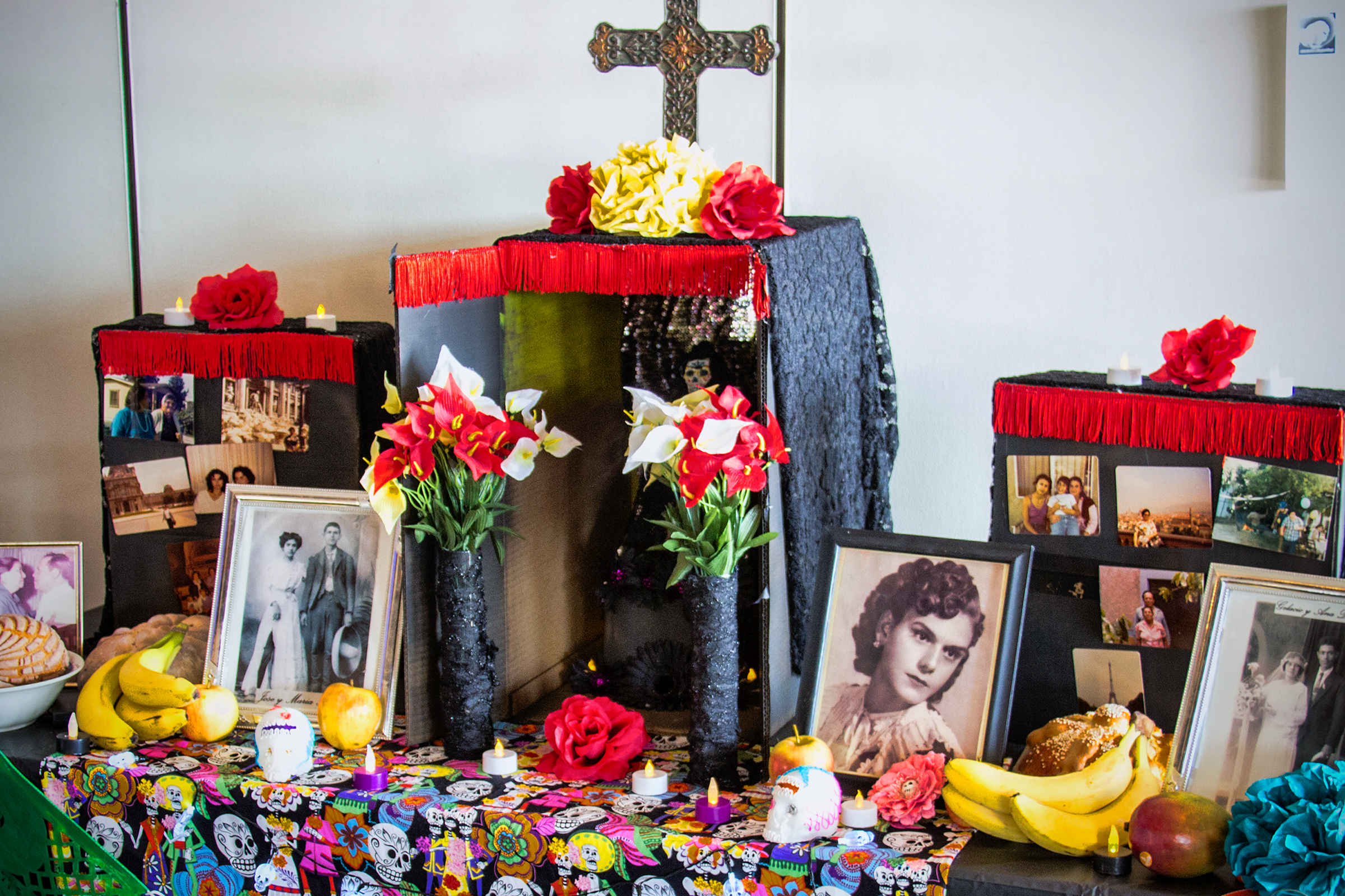 web-day-of-the-dead-altar-pam-lane-cc