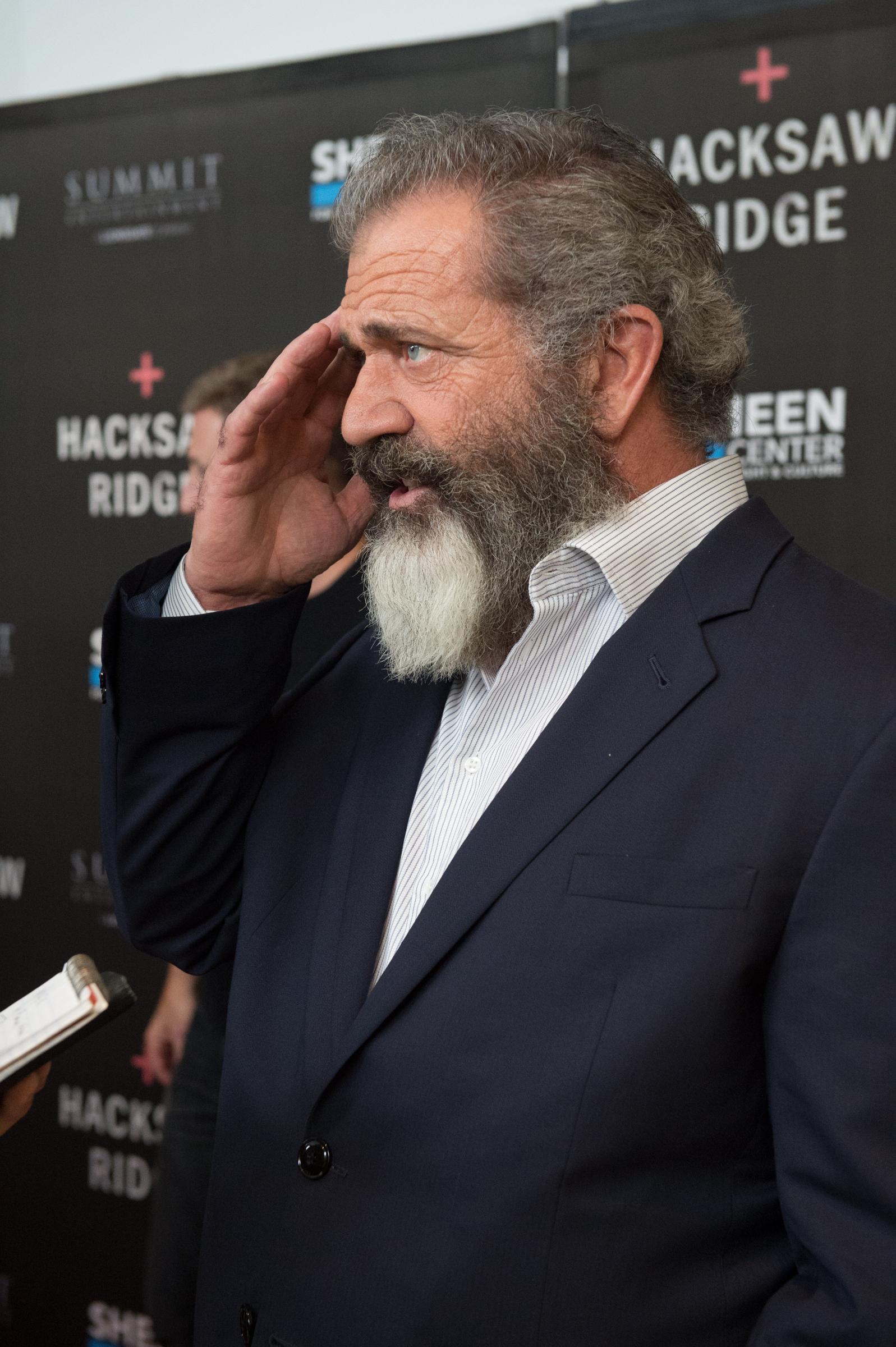 Mel Gibson speaks with Aleteia