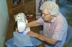 web-99-old-woman-portuguese-aletiea-3