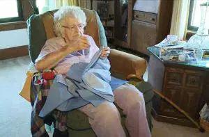 web-99-old-woman-portuguese-aletiea-5