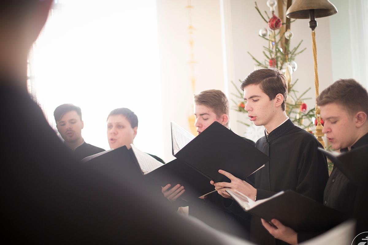 web-monks-monastery-christmas-singing-spbpda-cc