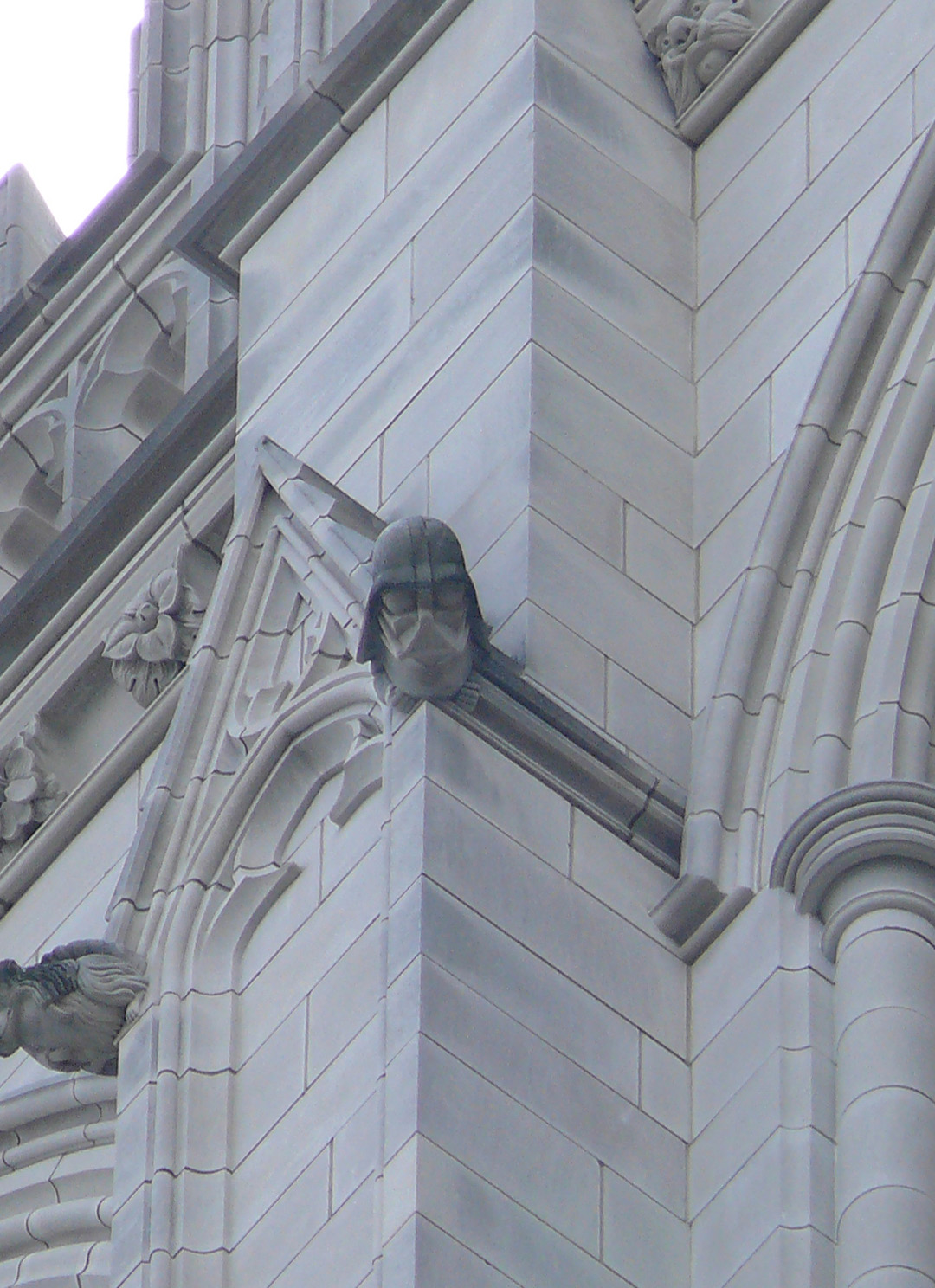 It should not be that surprising that in a contemporary cathedral we find, among the gargoyles, what may be one of the better known representations of evil of our times: Darth Vader, the former Jedi who decided to surrender to the dark side. Pic by Cyraxote.