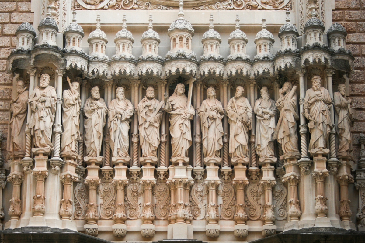 web-apostles-stone-carving-sculpture-yevkusa-cc