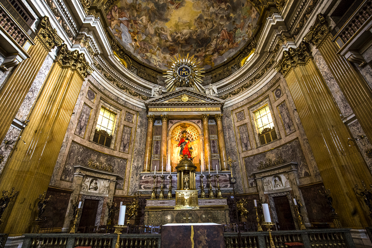 web-gesu-rome-church-003-photogolfer-shutterstock_302641763
