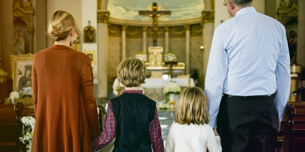 (Slideshow) 8 Modern manners you need to adopt at Mass