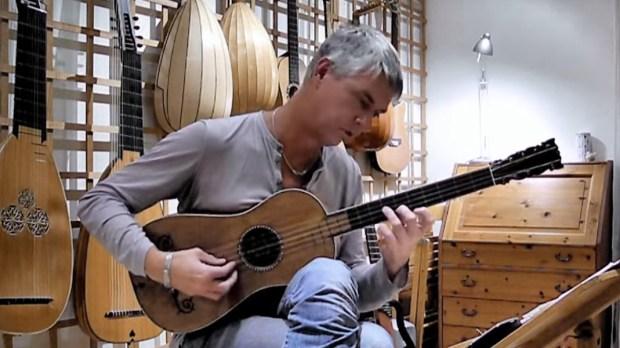 ROLF LISLEVAND PLAYING 1679 SABIONARI GUITAR
