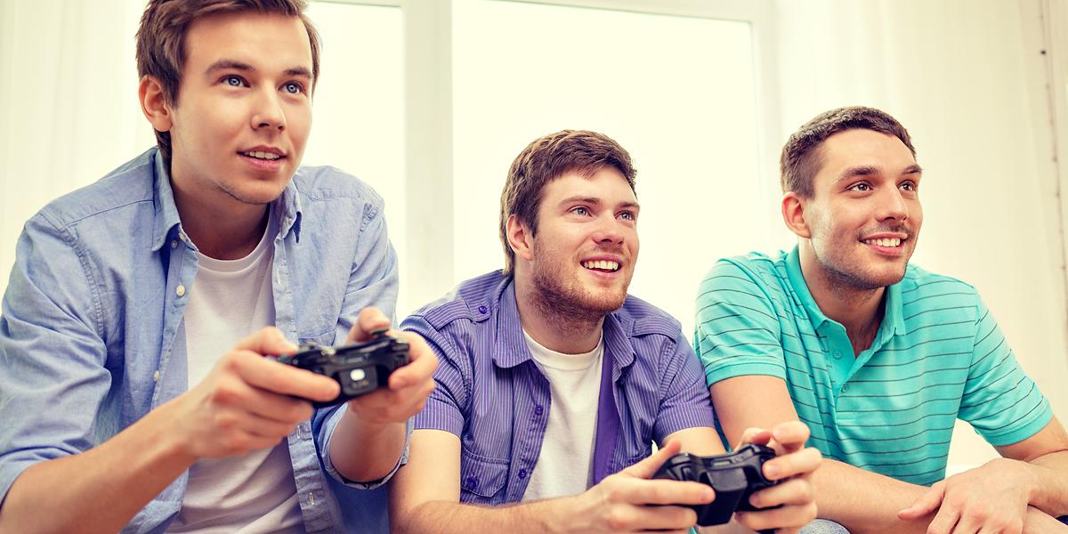 TEENAGE BOYS,VIDEO GAMES