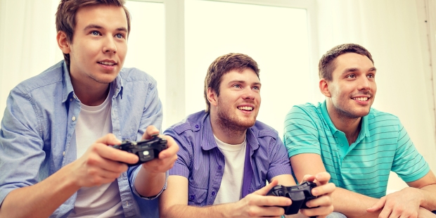 TEENAGE BOYS,VIDEO GAMES