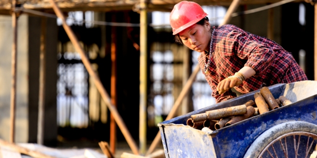 CHINESE, WOMAN WORKING CONSTRUCTION