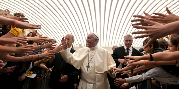 POPE FRANCIS MEETS THE YOUTH