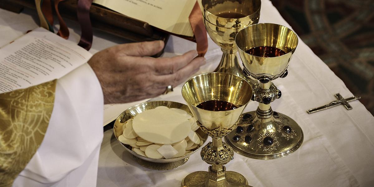 PRIEST,HAND