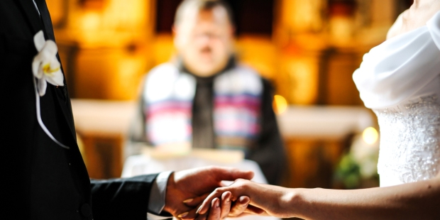 BRIDE AND GROOM,PRIEST,WEDDING