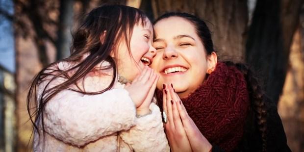 MOM AND CHILD PRAYING