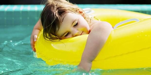 LITTLE GIRL,FLOAT,POOL