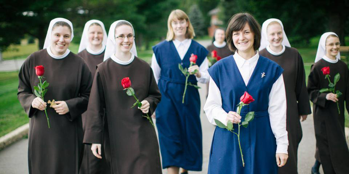 RELIGIOUS SISTERS,SISTERS OF ST FRANCIS OF PERPETUAL ADORATION
