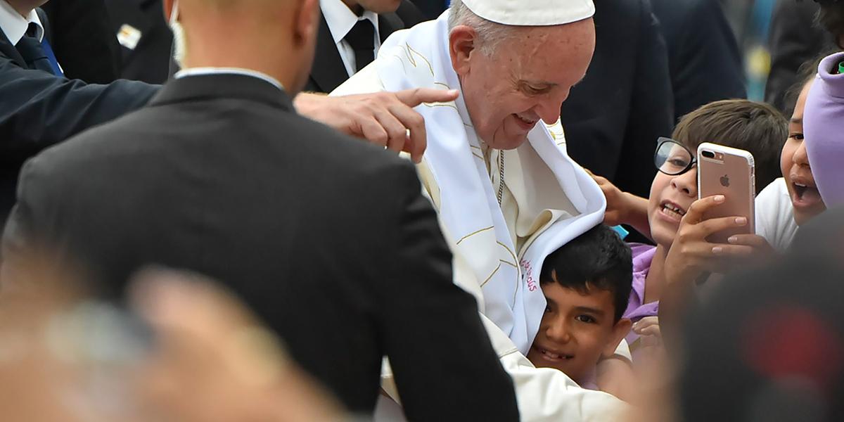 LLANOS AMOR,POPE FRANCIS