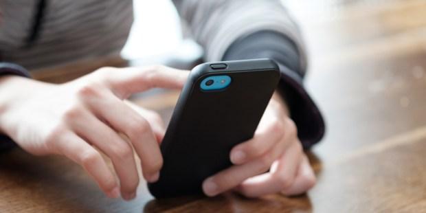 TEEN,PHONE,HANDS