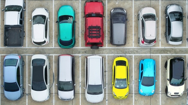 CARS,PARKING LOT,AERIAL VIEW
