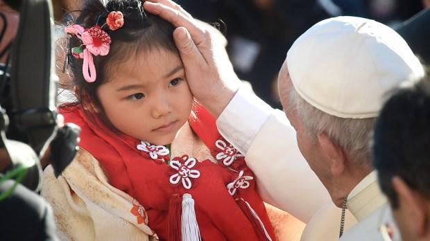 JAPANESE GIRL,POPE FRANCIS