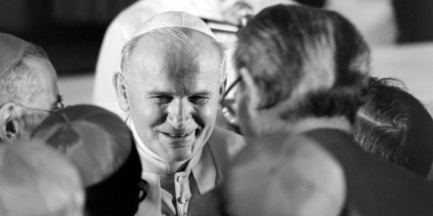 POPE,JOHN PAUL II,JPII,PEOPLE