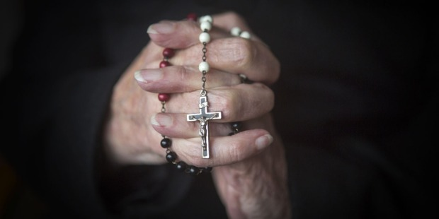 ROSARY,WOMAN,HANDS