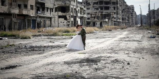 WEDDING,WAR