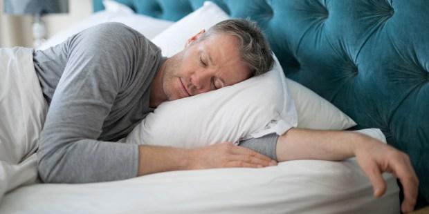 MAN,SLEEPING,BED