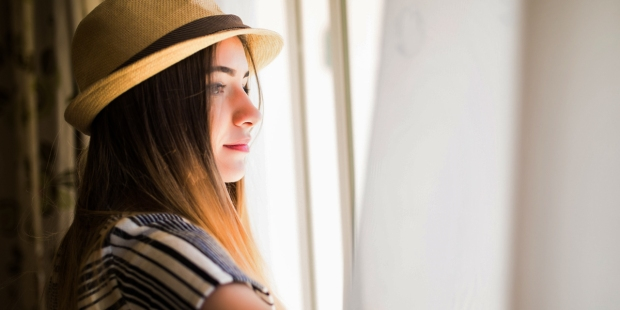 YOUNG,GIRL,HAT