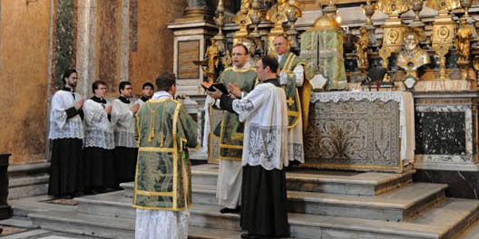 PRIEST,ALTER BOYS AT MASS