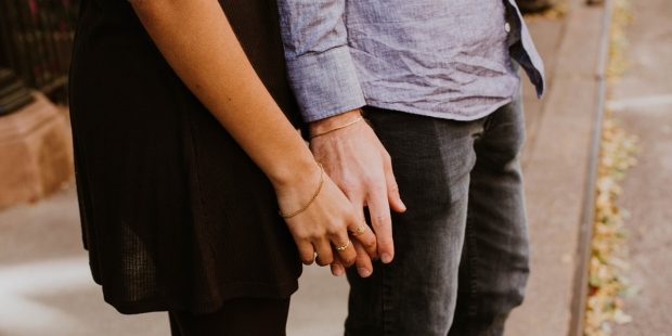 COUPLE,HOLDING,HANDS,CONNECTION