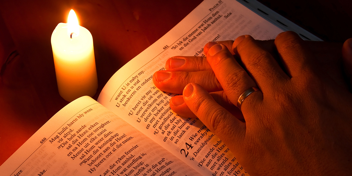 BIBLE,CANDLE LIGHT