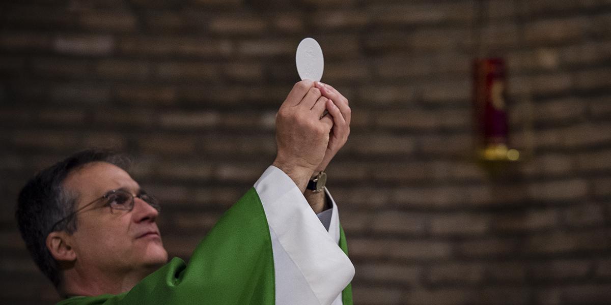 PRIEST-EUCHARIST-ELEVATION-HOST