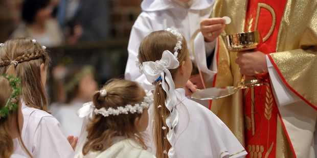 FIRST HOLY COMMUNION
