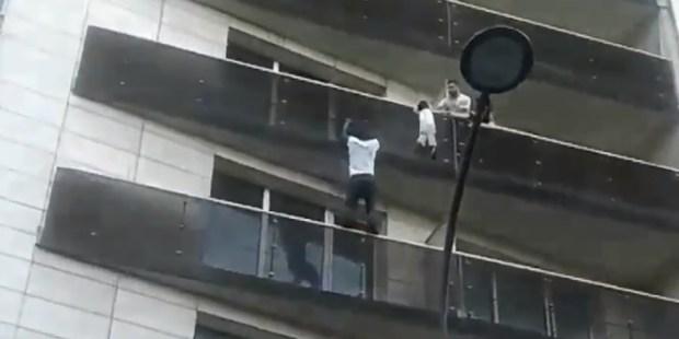 MAN,SCALES,BUILDING