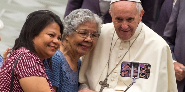 POPE SELFIE