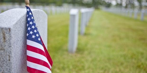 US FLAG,MILITARY,CEMETERY