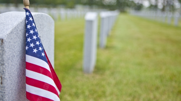 US FLAG,MILITARY,CEMETERY