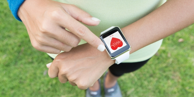 WOMAN,EXERCISE,APPLE WATCH
