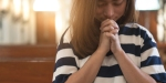 ASIAN,WOMAN,PRAYING,CHURCH