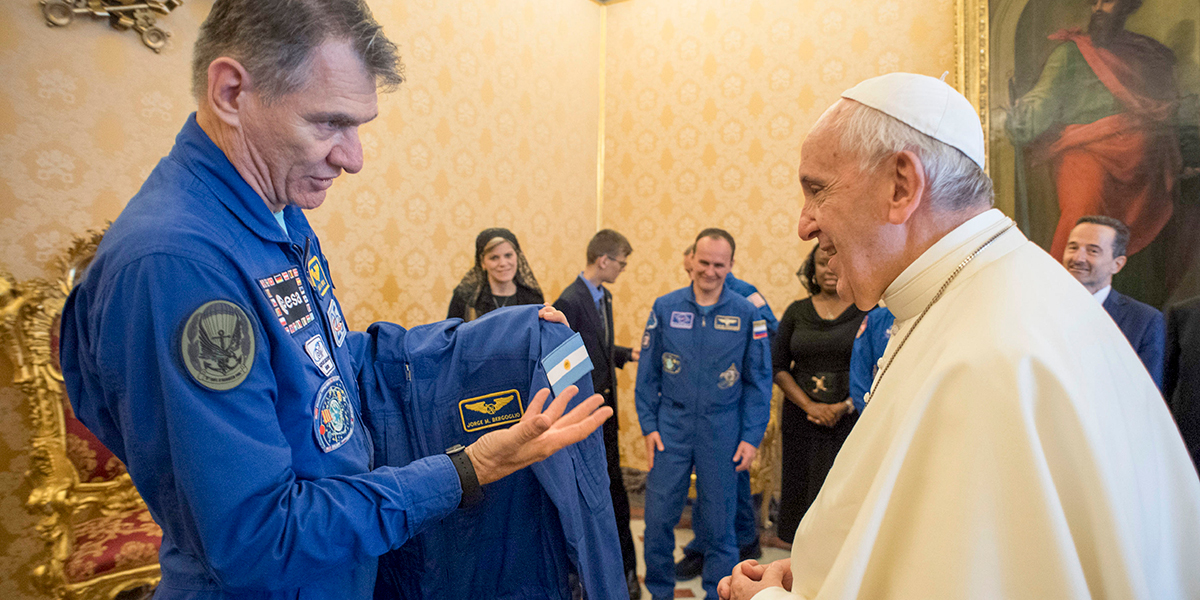 POPE FRANCIS,SPACE,ASTRONAUT