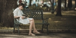 WOMAN,READING,BENCH